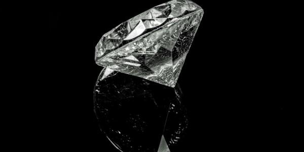 Schwarzer-Diamant9tdpkmZZzlSAE